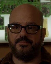 S05E10-Hank Hickey head shot