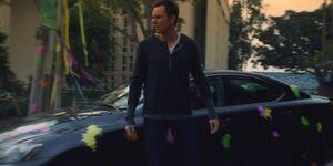 S01E23-Lexus paintballed