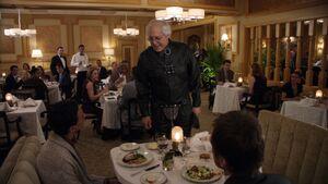2x19-Abed Pierce gimpsuit Jeff
