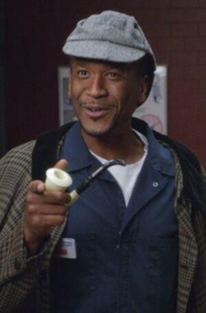 S04E11-Jerry as Sherlock Holmes