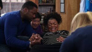 S02E22-Andre Chang Shirley having baby