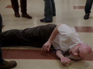 3x11-Dean Pelton even his shadow