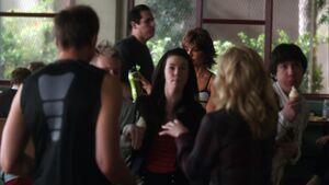 1x22-Jeff Britta Kelly Mark Chantel Duh