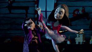S02E11-Ballerannie kicking Wizard