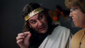 1x07-Star-Burns Pierce trade