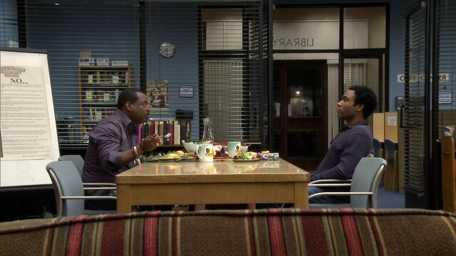 File:2X16-Troy and LeVar eating dinner.jpg