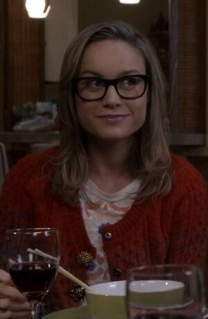 S05E09-Rachel at dinner