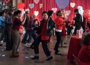 El Tigre Chino on the dance floor