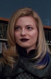 S04E13-Evil Britta head shot
