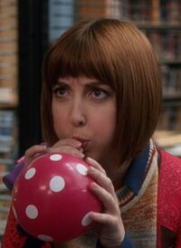 S04E08-Kat balloon