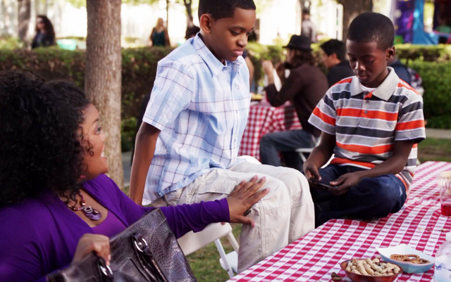 File:Shirley and her children at the Family day picnic.png