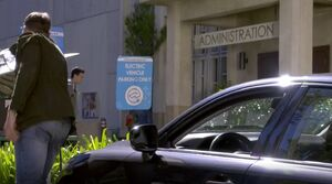 S06E01-Electric Lexus