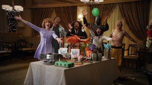 2x19-Surprise party 2