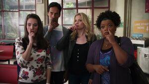 2x07-Annie Abed Britta Shirley nose goes