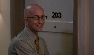 S04E01-Dean entering condo