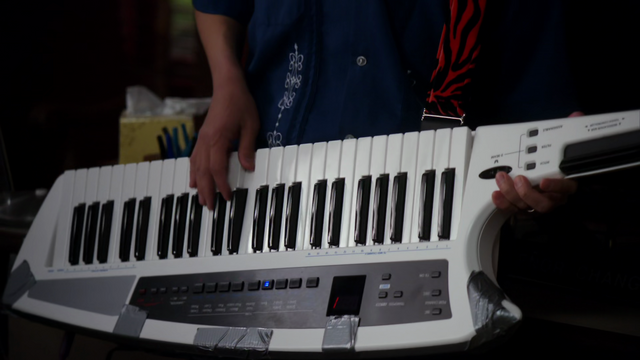 File:EAASL-Changs keytar.png