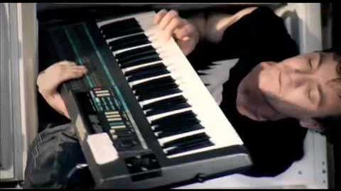 """MATT AND KIM - """"DAYLIGHT"""" (OFFICIAL MUSIC VIDEO)"""