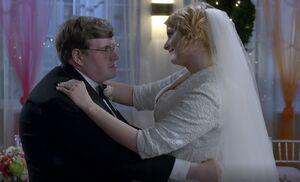 S06E12-Stacy and Garrett dancing