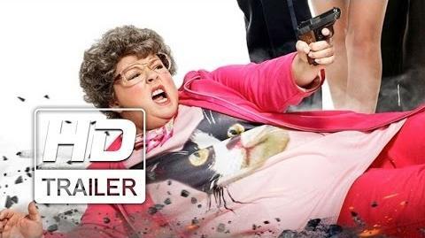 A Espiã Que Sabia de Menos Trailer Legendado HD
