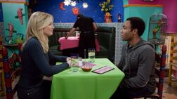 4X11 Troy breaks up with Britta