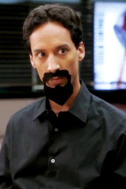 3x04 Evil Abed