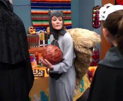 1x07 Britta as a squirrel