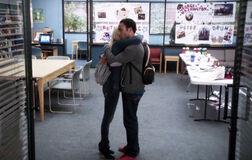 4X11 Troy and Britta hug