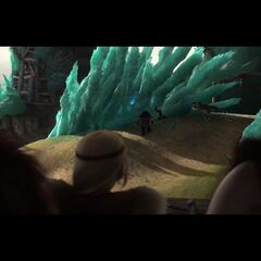 Astrid y los demás viendo que Hipo y Chimuelo fueron congelados