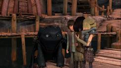Heather abrazando a Astrid