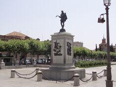 Plaza-de-Cervantes-06