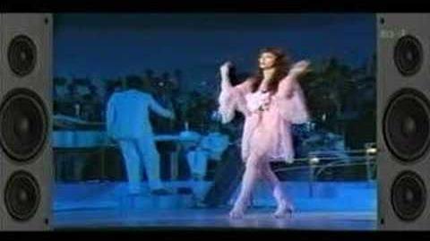 Kate Bush - Moving live (1978 Tokyo Music Festival
