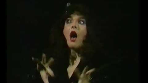 Kate Bush - Hammer Horror (San Remo)