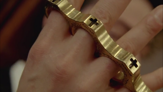File:Gold Knuckles.png