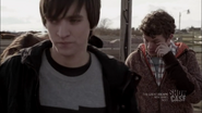 1x05 Julian & Alec 01
