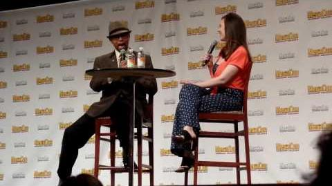 Hayley Atwell at Megacon 2016 - part 2