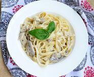 Chicken-Mushroom-Fettuccine-Alfredo