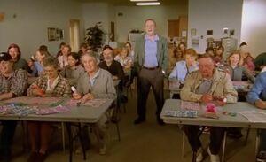 S02E09-Fitzy bingo crowd