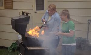 S05E12-BBQ fire