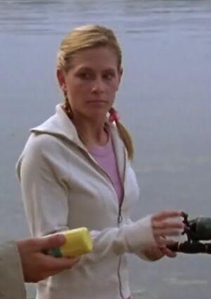 S01E11-Karen fishing long
