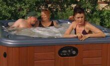 S06E06-Lacey Leroys tub