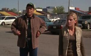 S01E13-Davis loses tickets