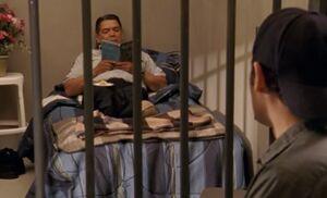 S04E06-Davis in jail