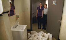 S06E18-CG bathroom