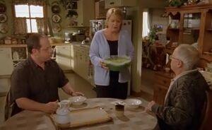 S02E18-Leroy kitchen