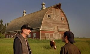 S04E05-Cecil Hank barn