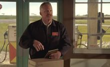 S05E02-Delivery Guy