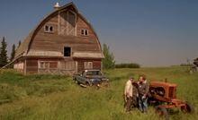 S04E05-The barn