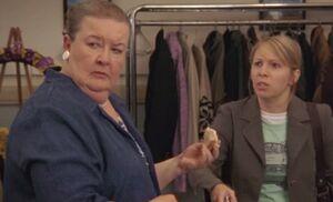 S05E13-Helen and Wanda