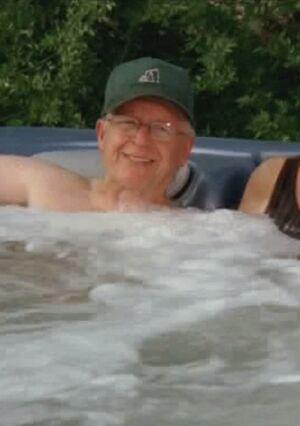 S06E06-Oscar tub long