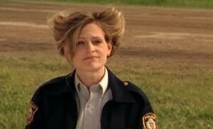 S04E01-Karen bad hair